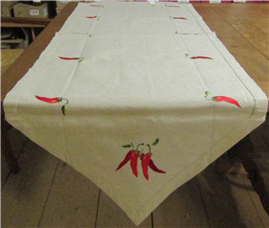 Chemin de Table brodé piments