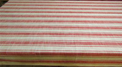 Nappe 150x260 rayures rouge